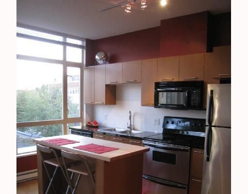 """Main Photo: 402 205 E 10TH Avenue in Vancouver: Mount Pleasant VE Condo for sale in """"THE HUB"""" (Vancouver East)  : MLS®# V799113"""