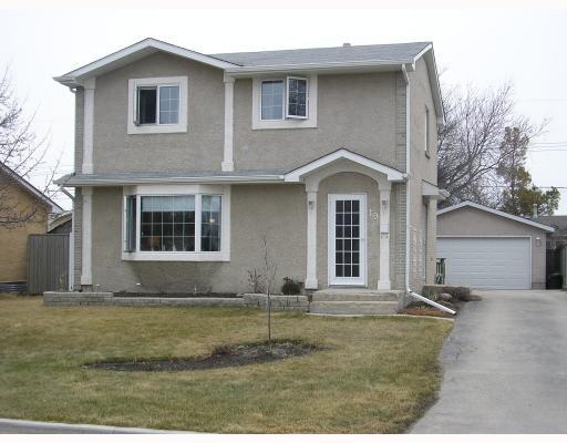 Main Photo: 19 SILVERWOOD Bay in WINNIPEG: St James Residential for sale (West Winnipeg)  : MLS®# 2906711