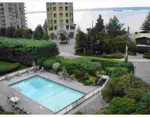 """Main Photo: 209 2290 MARINE Drive in West Vancouver: Dundarave Condo for sale in """"SEA VIEW GARDENS"""" : MLS®# V802392"""