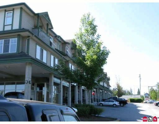 """Main Photo: 5 8814 216TH Street in Langley: Walnut Grove Townhouse for sale in """"Redwoods corner"""" : MLS®# F2918592"""
