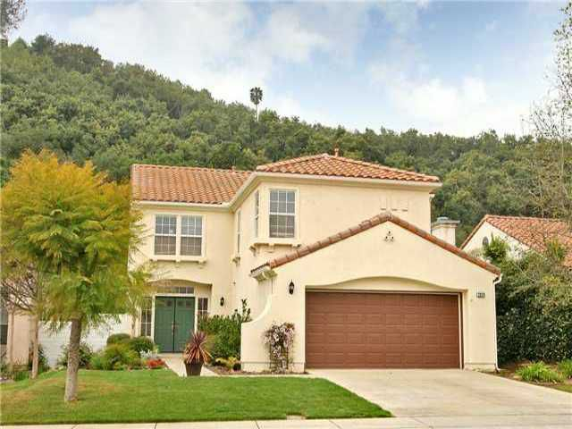 Main Photo: EAST ESCONDIDO House for sale : 5 bedrooms : 2329 FALLBROOK PLACE in ESCONDIDO