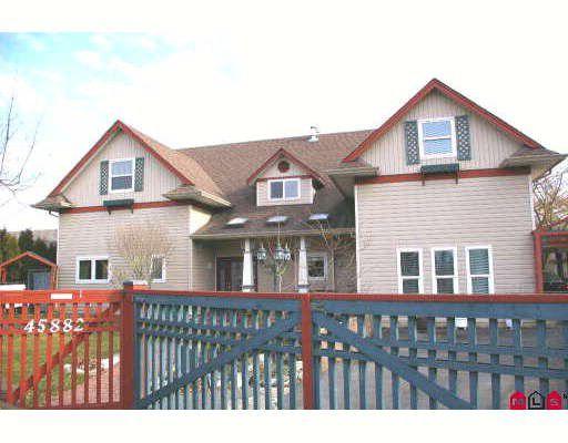 Main Photo: 45882 LAKE Drive in Sardis: Sardis East Vedder Rd House for sale : MLS®# H2903216