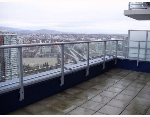 """Main Photo: 3206 111 W GEORGIA Street in Vancouver: Downtown VW Condo for sale in """"SPECTRUM 1"""" (Vancouver West)  : MLS®# V755363"""