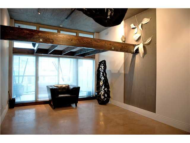 """Main Photo: 318 1529 W 6TH Avenue in Vancouver: False Creek Condo for sale in """"WSIX"""" (Vancouver West)  : MLS®# V834035"""