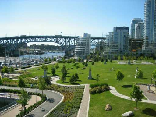 """Main Photo: 603 426 BEACH CR in Vancouver: False Creek North Condo for sale in """"KING'S LANDING"""" (Vancouver West)  : MLS®# V598050"""