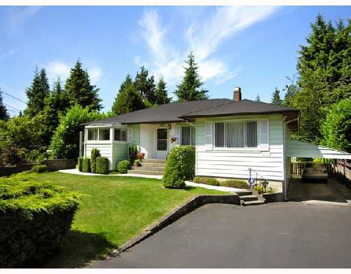 Main Photo: 4565 LIONS Avenue in North_Vancouver: Canyon Heights NV House for sale (North Vancouver)  : MLS®# V724057