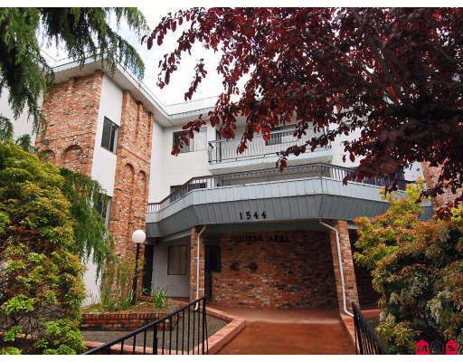 "Main Photo: 302 1544 FIR Street in White_Rock: White Rock Condo for sale in ""JUNIPER ARMS"" (South Surrey White Rock)  : MLS®# F2911723"