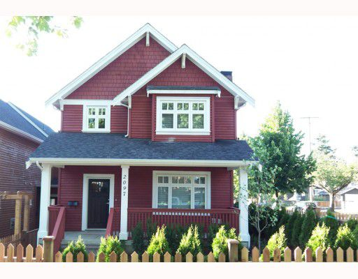 Main Photo: 2097 E 2ND Avenue in Vancouver: Grandview VE House 1/2 Duplex for sale (Vancouver East)  : MLS®# V772139