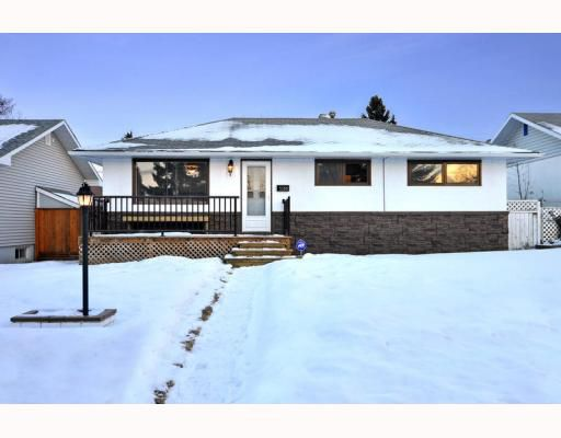Main Photo: 3128 44 Street SW in CALGARY: Glenbrook Residential Detached Single Family for sale (Calgary)  : MLS®# C3408446