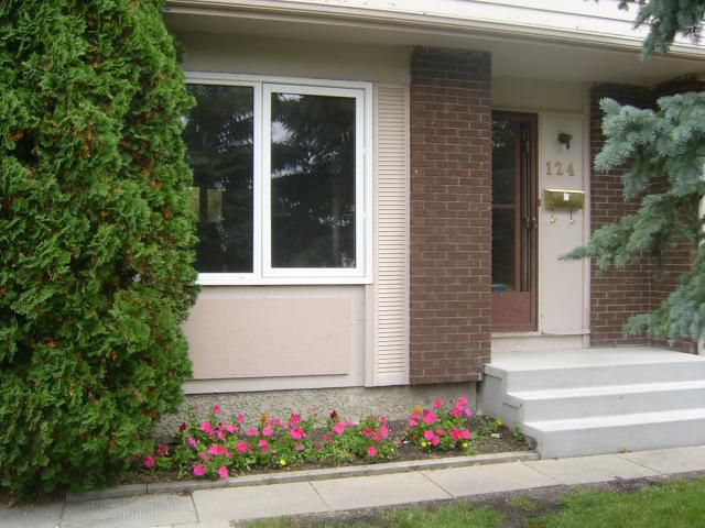 Main Photo: 124 BERNADINE Crescent in WINNIPEG: Westwood / Crestview Residential for sale (West Winnipeg)  : MLS®# 1017029