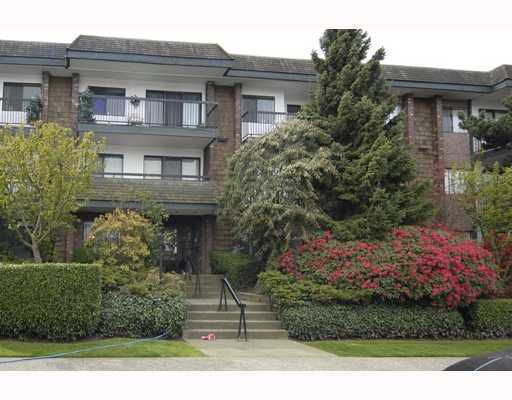 "Main Photo: 107 444 E 6TH Avenue in Vancouver: Mount Pleasant VE Condo for sale in ""TERRACE HEIGHTS"" (Vancouver East)  : MLS®# V732851"