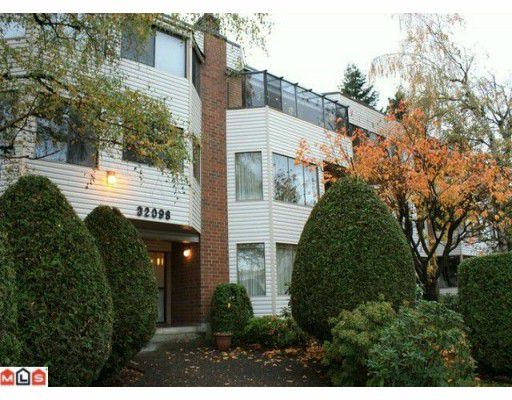 "Main Photo: 101 32098 GEORGE FERGUSON Way in Abbotsford: Abbotsford West Condo for sale in ""Heather Court"" : MLS®# F1001149"