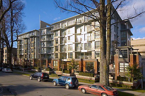 Main Photo: 403 2137 W 10TH Avenue in Vancouver: Kitsilano Condo for sale (Vancouver West)  : MLS®# V823621