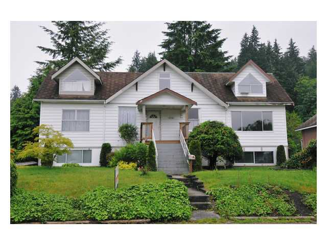 Main Photo: 2721 HENRY Street in Port Moody: Port Moody Centre House for sale : MLS®# V833785