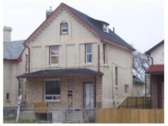 Main Photo: 593 William Avenue in WINNIPEG: Brooklands / Weston Industrial / Commercial / Investment for sale (West Winnipeg)  : MLS®# 1004201