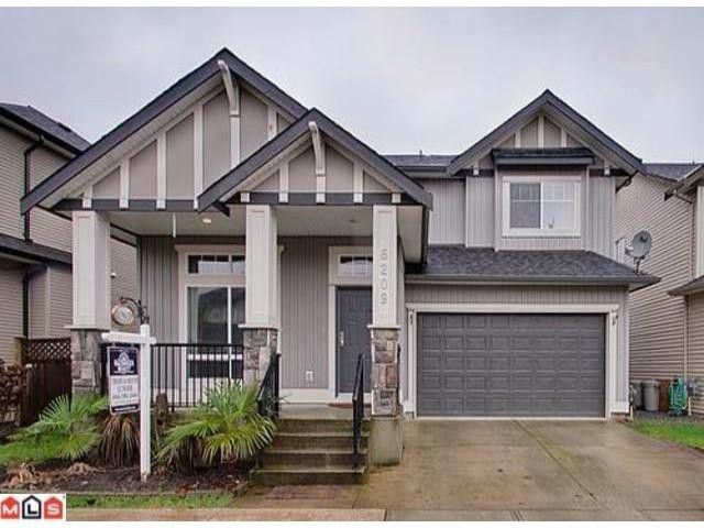 Main Photo: 6209 167B Street in Surrey: Cloverdale BC House for sale (Cloverdale)  : MLS®# F1102118