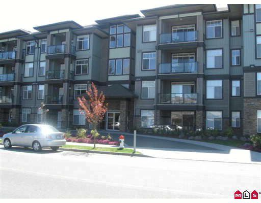 "Main Photo: 403 33338 MAYFAIR Avenue in Abbotsford: Central Abbotsford Condo for sale in ""The Sterling"" : MLS®# F2909510"