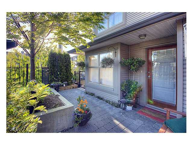 Main Photo: 40 3855 PENDER Street in Burnaby: Willingdon Heights Townhouse for sale (Burnaby North)  : MLS®# V833647