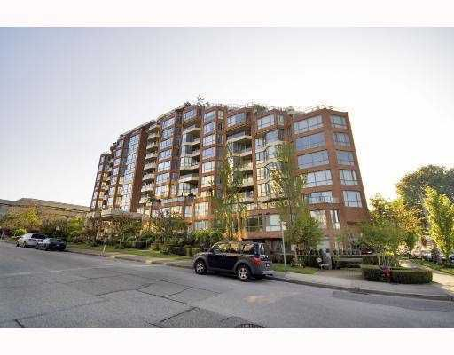 """Main Photo: 601 2201 PINE Street in Vancouver: Fairview VW Condo for sale in """"MERIDIAN COVE"""" (Vancouver West)  : MLS®# V752799"""
