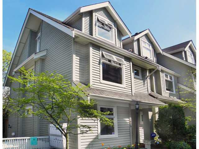 """Main Photo: 1809 NAPIER Street in Vancouver: Grandview VE Townhouse for sale in """"Salsbury Heights"""" (Vancouver East)  : MLS®# V823661"""