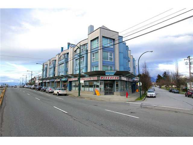 """Main Photo: 206 4893 CLARENDON Street in Vancouver: Collingwood VE Condo for sale in """"CLARENDON PLACE"""" (Vancouver East)  : MLS®# V864055"""