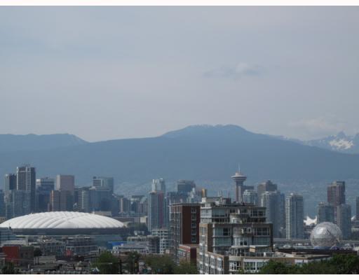 "Main Photo: 402 2770 SOPHIA Street in Vancouver: Mount Pleasant VE Condo for sale in ""STELLA"" (Vancouver East)  : MLS®# V771331"