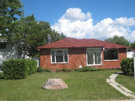 Main Photo: 119 ADDISON CR: RED for sale (Canada)  : MLS®# 1014979