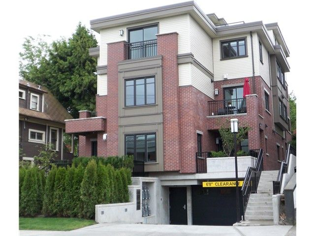 """Main Photo: 462 E 5TH Avenue in Vancouver: Mount Pleasant VE Townhouse for sale in """"468 EAST FIFTH AVENUE"""" (Vancouver East)  : MLS®# V854758"""