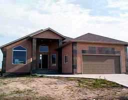 Main Photo: 10 FALCON RIDGE Drive in WINNIPEG: River Heights / Tuxedo / Linden Woods Residential for sale (South Winnipeg)  : MLS®# 2211253