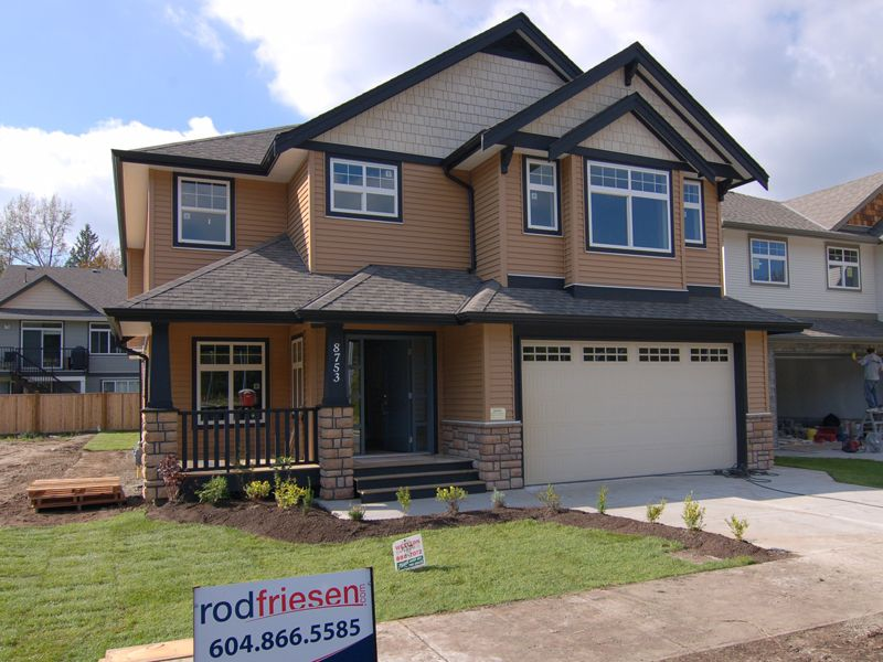 Main Photo: 8753 HUTTON Place in Mission: Mission BC House for sale : MLS®# F1020639