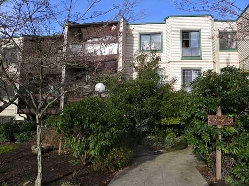 """Main Photo: 310 1429 E 4TH Avenue in Vancouver: Grandview VE Condo for sale in """"Sandcastle Villa"""" (Vancouver East)  : MLS®# V825592"""