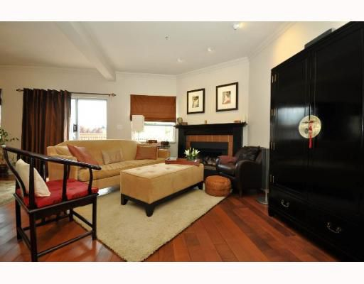 Main Photo: 2244 W 14TH Avenue in Vancouver: Kitsilano Townhouse for sale (Vancouver West)  : MLS®# V772115