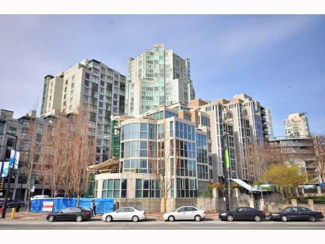 """Main Photo: 203 1318 HOMER Street in Vancouver: Downtown VW Condo for sale in """"GOVERNOR'S VILLA"""" (Vancouver West)  : MLS®# V817450"""