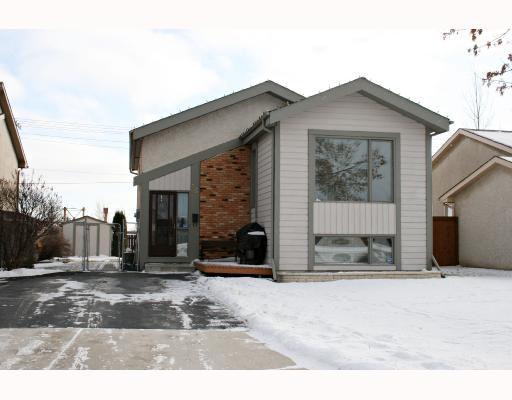 Main Photo: 35 SANDPIPER Drive in WINNIPEG: Fort Garry / Whyte Ridge / St Norbert Residential for sale (South Winnipeg)  : MLS®# 2822280