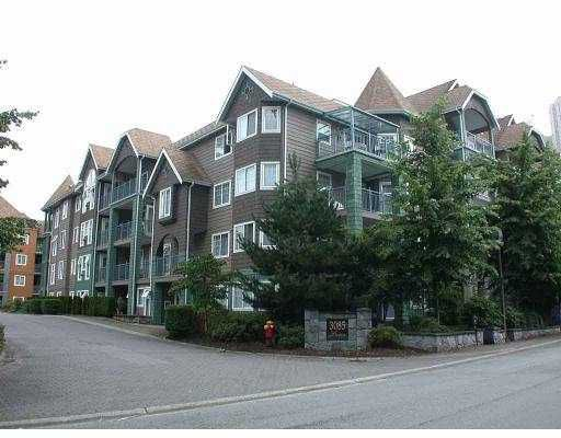 "Main Photo: 405 3085 PRIMROSE LN in Coquitlam: North Coquitlam Condo for sale in ""LAKESIDE TERRACE"" : MLS®# V560186"