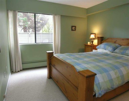 Photo 8: Photos: 1515 CHESTERFIELD Ave in North Vancouver: Central Lonsdale Condo for sale : MLS®# V626116
