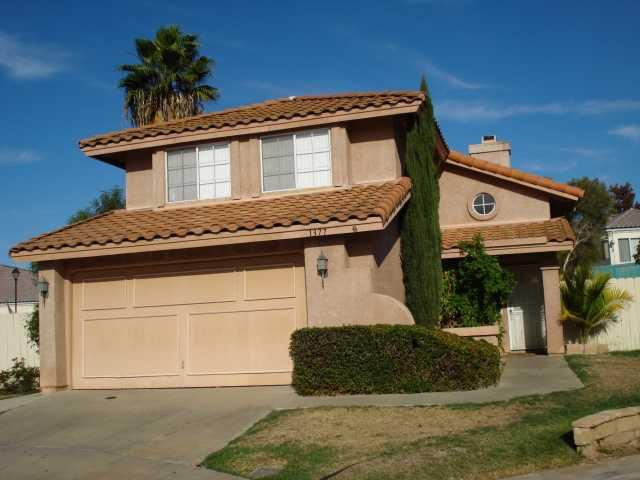 Main Photo: EAST ESCONDIDO House for sale : 3 bedrooms : 1377 Hiawatha Glen in Escondido