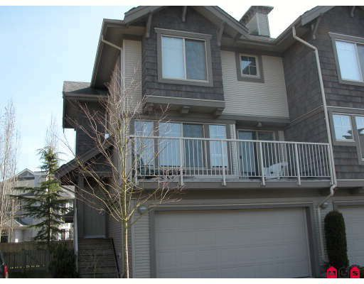 "Main Photo: 34 20761 DUNCAN Way in Langley: Langley City Townhouse for sale in ""WYNDHAM LANE"" : MLS®# F2905119"