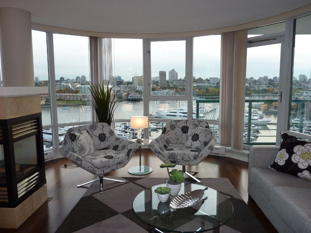 Main Photo: 1002 1067 MARINASIDE Crescent in Vancouver: False Creek North Condo for sale (Vancouver West)  : MLS®# V857000