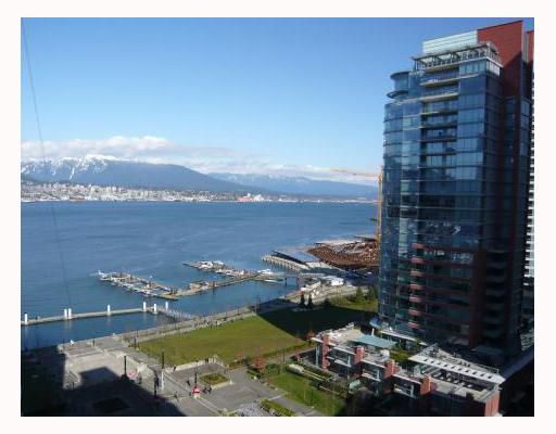 """Main Photo: 1603 1205 W HASTINGS Street in Vancouver: Coal Harbour Condo for sale in """"CIELO"""" (Vancouver West)  : MLS®# V768003"""
