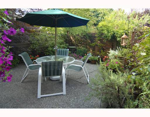 """Main Photo: 3968 YEW Street in Vancouver: Quilchena Townhouse for sale in """"ARBUTUS VILLAGE"""" (Vancouver West)  : MLS®# V784080"""