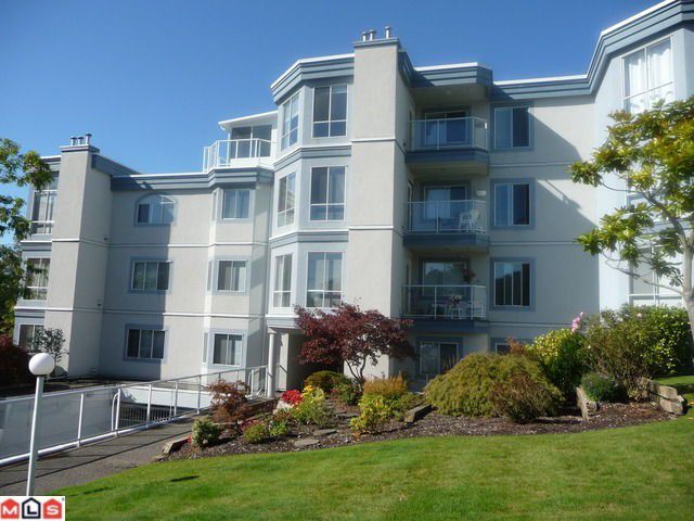 """Main Photo: 404 15941 MARINE Drive: White Rock Condo for sale in """"The Heritage"""" (South Surrey White Rock)  : MLS®# F1024233"""