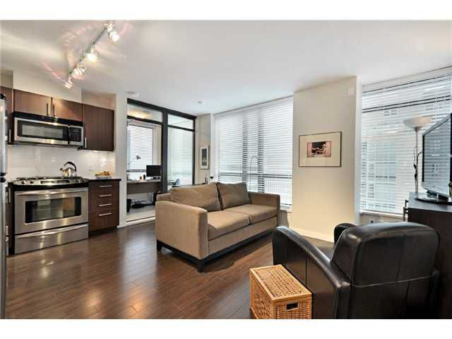 """Main Photo: 809 1068 W BROADWAY in Vancouver: Fairview VW Condo for sale in """"THE ZONE"""" (Vancouver West)  : MLS®# V865216"""