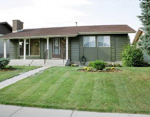 Main Photo: 120 CEDARPARK Drive SW in CALGARY: Cedarbrae Residential Detached Single Family for sale (Calgary)  : MLS®# C3337567