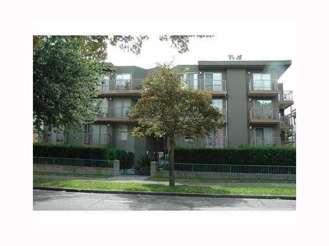 "Main Photo: 418 1820 W 3RD Avenue in Vancouver: Kitsilano Condo for sale in ""MONTEREY"" (Vancouver West)  : MLS®# V813307"