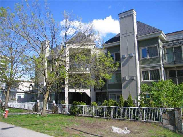 Main Photo: 408 210 CARNARVON Street in New Westminster: Downtown NW Condo for sale : MLS®# V828069