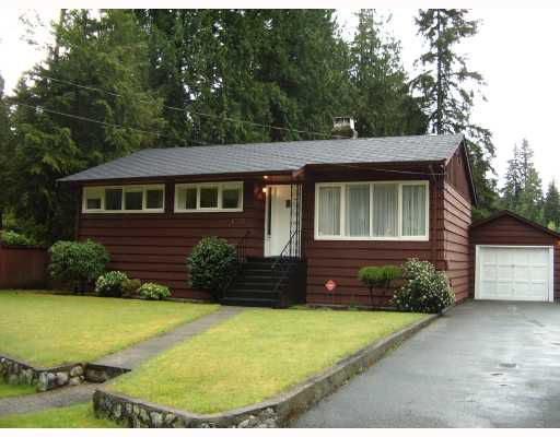 Main Photo: 3049 ELIZABETH Way in North_Vancouver: Capilano NV House for sale (North Vancouver)  : MLS®# V767480