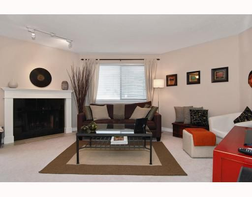 """Main Photo: 306 1055 W 13TH Avenue in Vancouver: Fairview VW Condo for sale in """"OAK WEST"""" (Vancouver West)  : MLS®# V807806"""