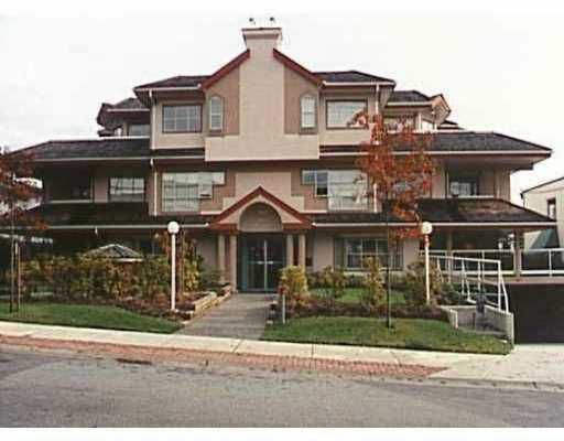 Main Photo: 102 1644 MCGUIRE AV in North Vancouver: Pemberton NV Condo for sale : MLS®# V532366