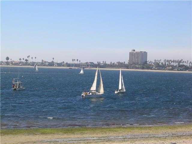 Main Photo: PACIFIC BEACH Condo for sale : 1 bedrooms : 3802 Riviera #1